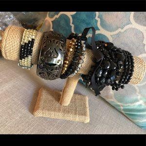 💃🏻JEWELRY CLEARANCE💃🏻 Set of 5 bracelets